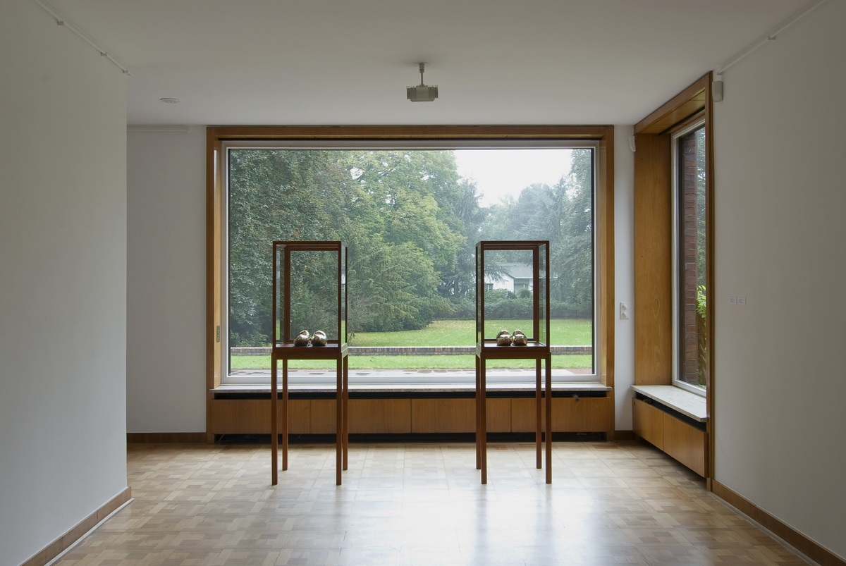 Bilder Courtesy of: Galerie Jablonka Köln, Ausstellung: Museum Haus Lange, Krefeld, Sherrie Levine: Pairs & Posses, 10.10.2010 - 06.02.2011, Fotos: Volker Döhne
